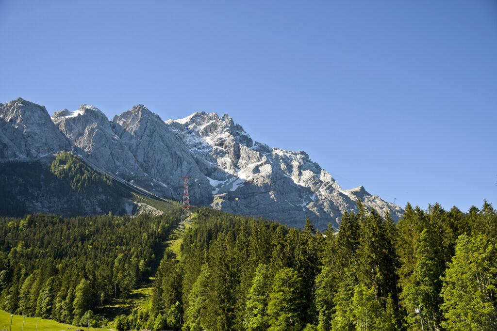 Zugspitze vom Parkplatz des Eibsees nähe Garmisch